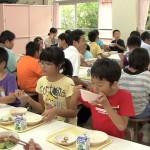 吾田小学校で地産地消の交流給食