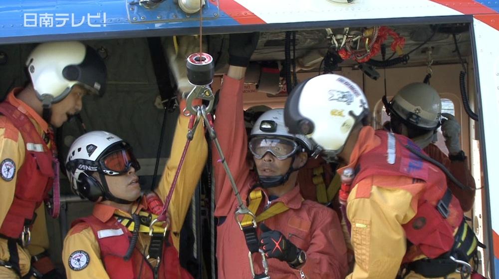 防災救急航空隊と消防隊が連携訓練