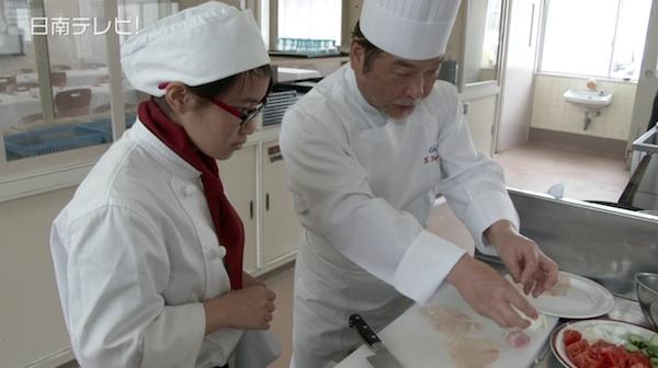 ふるさと大使がプランス料理の出前講座