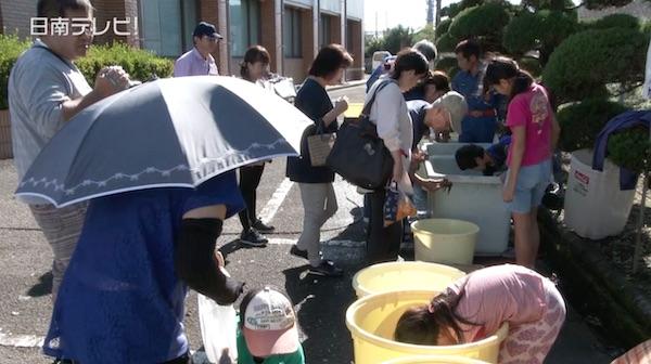 ウナギのつかみ取りや放流「日南川祭り」